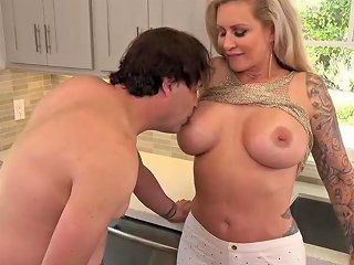 Tattooed Blonde Woman R Likes To Have Anal Sex