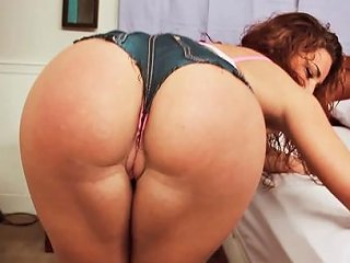 Savannah Fox Is A Chick With A Nice Booty Who Is Ready To Any Porn