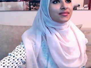 Amateur Beautiful Big Ass Arab Teen Camgirl Posing In Fro Any Porn