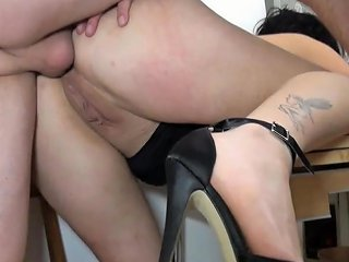 Naughty French Slut Gives Her Ass To John Doe For A Sextape