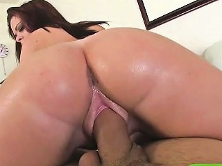 Big Ass Girlfriend Zoey Wayne Shows Off And Banged Caught