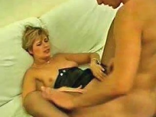 Stockings On The Slutty Mature That Loves Anal
